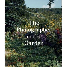 THR PHOTOGRAPHER IN THE GARDEN